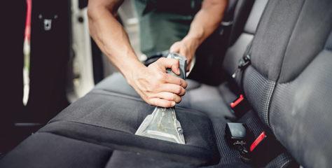 Kako poteka globinsko čiščenje avtomobila?
