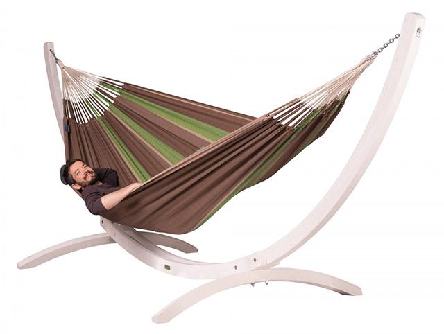 Viseča mreža z lesenim stojalom